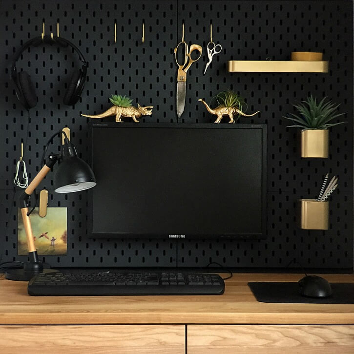 IKEA SKADI HACK with pegboard accessories for an organised office space / grillo designs