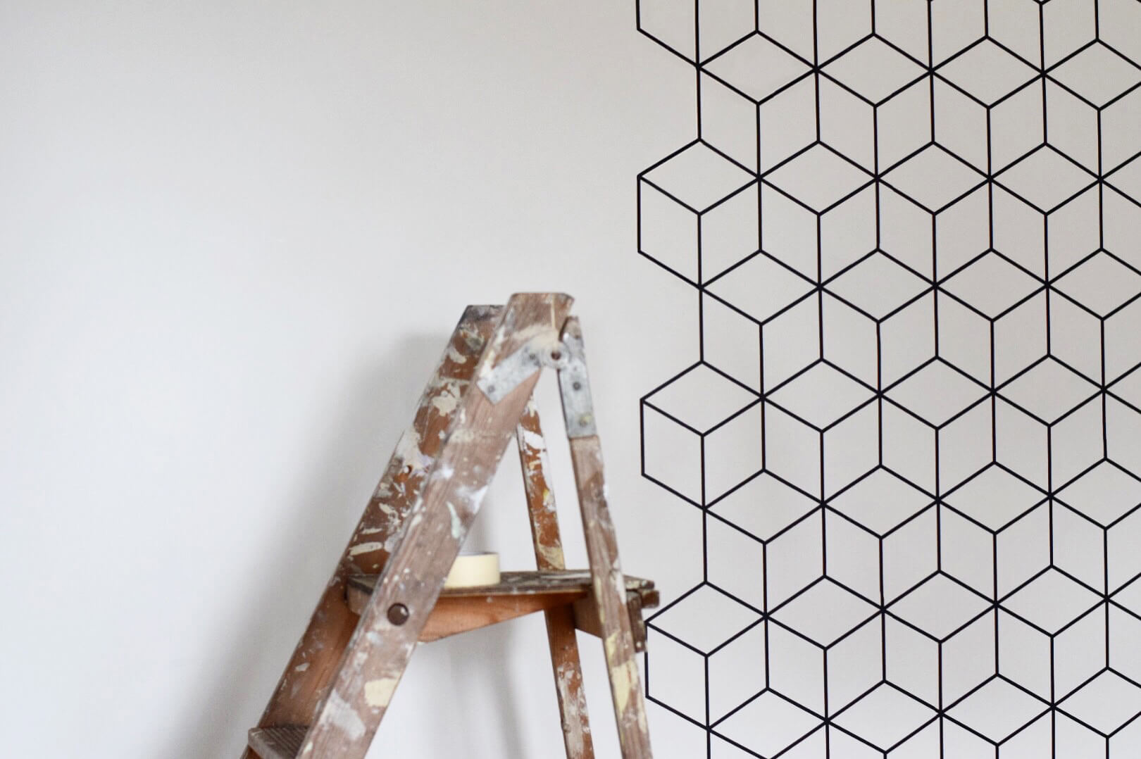Buy temporary wallpaper with a geometric pattern / Grillo Designs www.grillo-designs.com