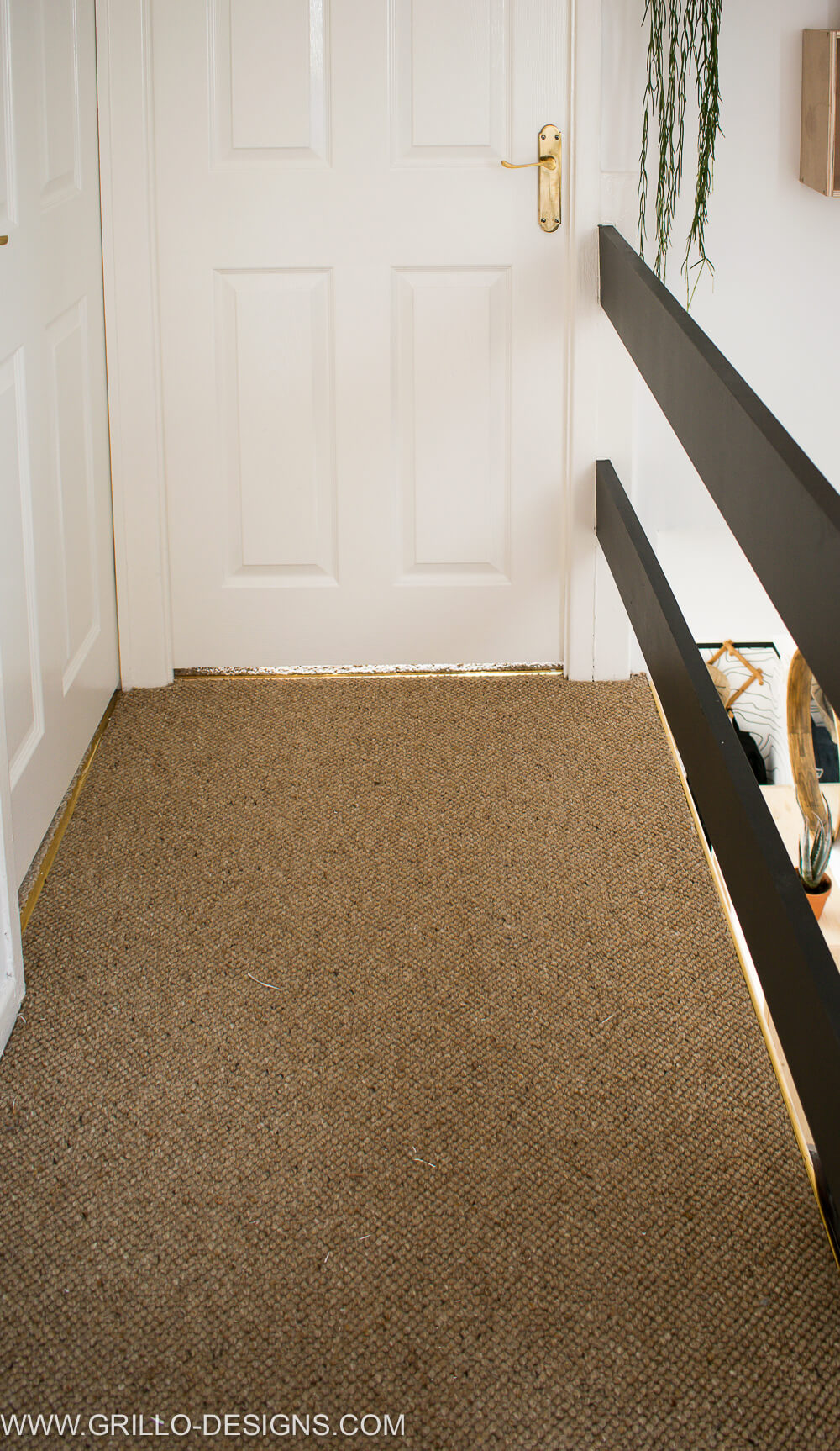 Landing and stairs makeover with carpet right / Grillo Designs
