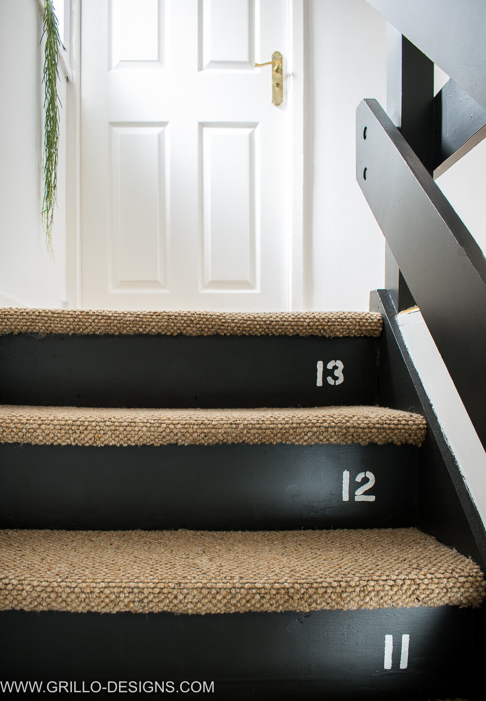 Rustic landing and stairs makeover with dakota wool carpet / Grillo Designs