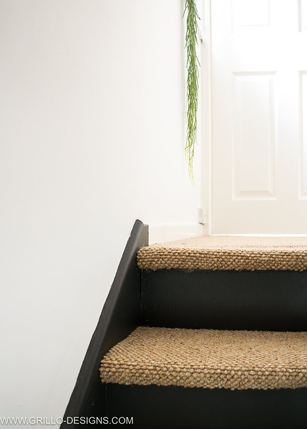 Stairs makeover with carpet on steps / Grillo Designs