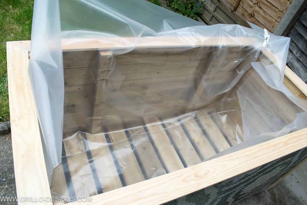Apply greenhouse plastic to the diy trough planter / grillo designs
