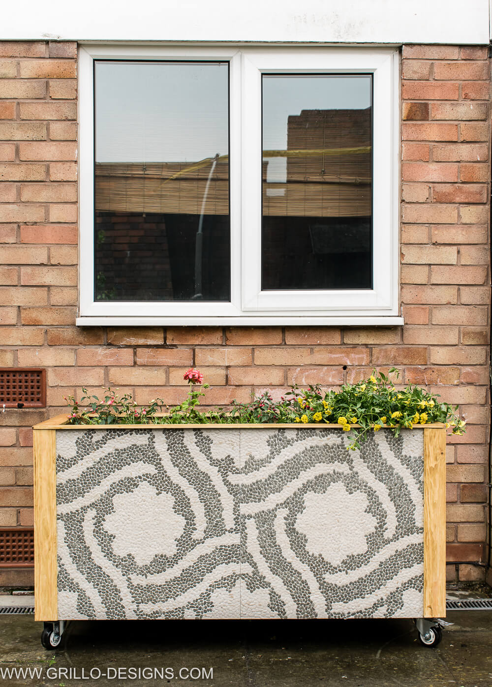 DIY RSUTIC TILE TROUGH PLANTER / GRILLO DESIGNS