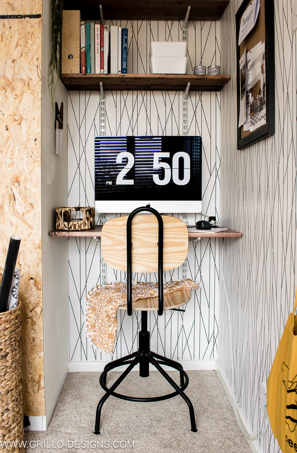 diy mini workspace with floating wall desk / grillo designs