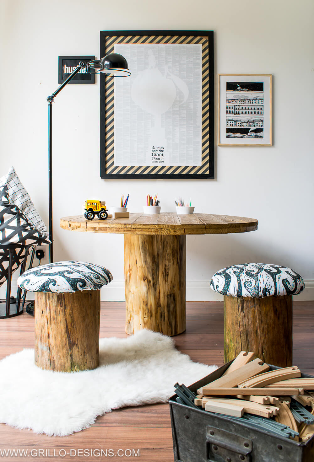 Easy rustic style tree trunk table - perfect for outdoors / grillo designs