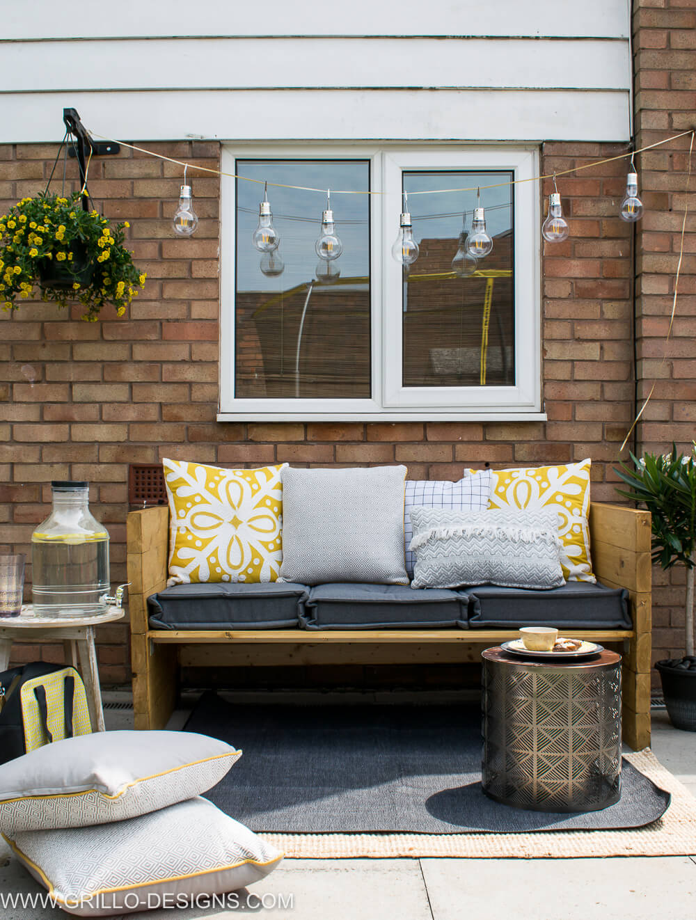 Easy tutorial on how to build an outdoor sofa / grillo designs