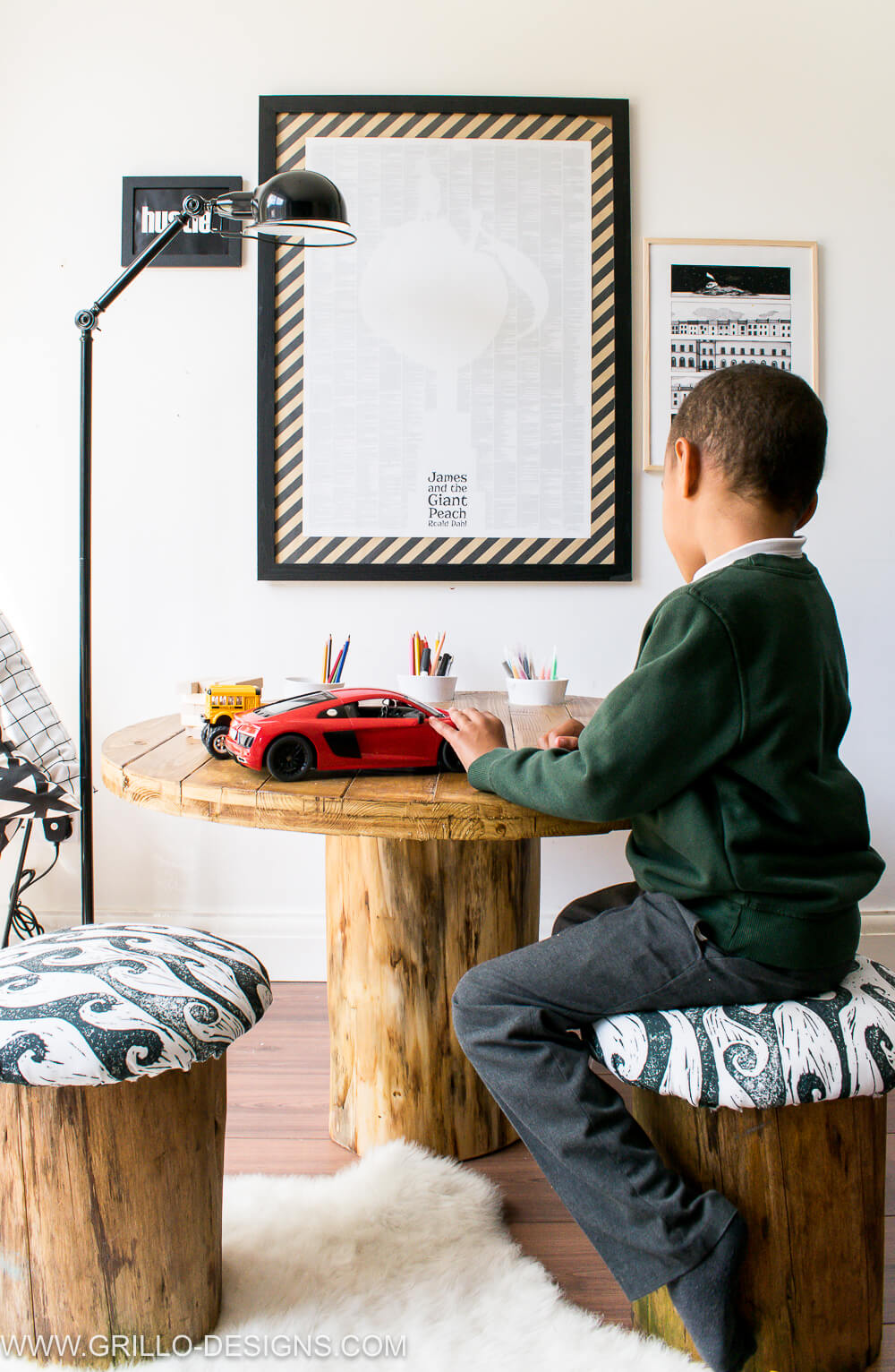 PLAY TREE TRUNK TABLE FOR KIDS / GRILLO DESIGNS