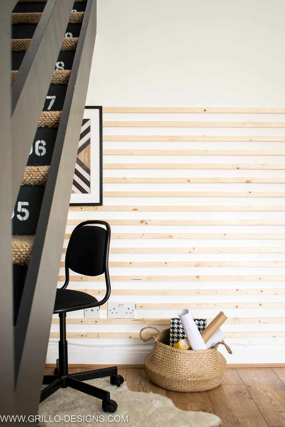 DIY wooden plank wall for the under stairs homework station / grillo designs