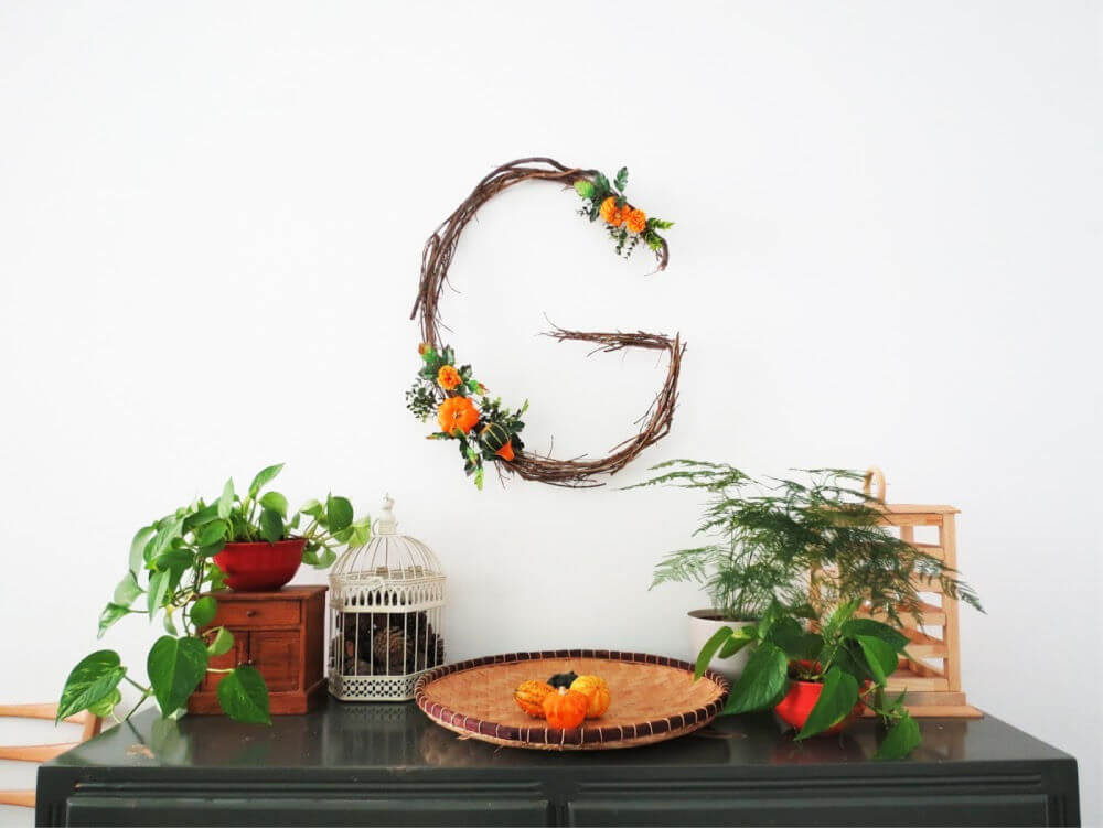 Make a rustic DIY monogram wreath / grillo designs