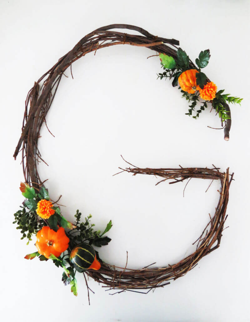 Easy fall monogram wreath tutorial / grillo designs