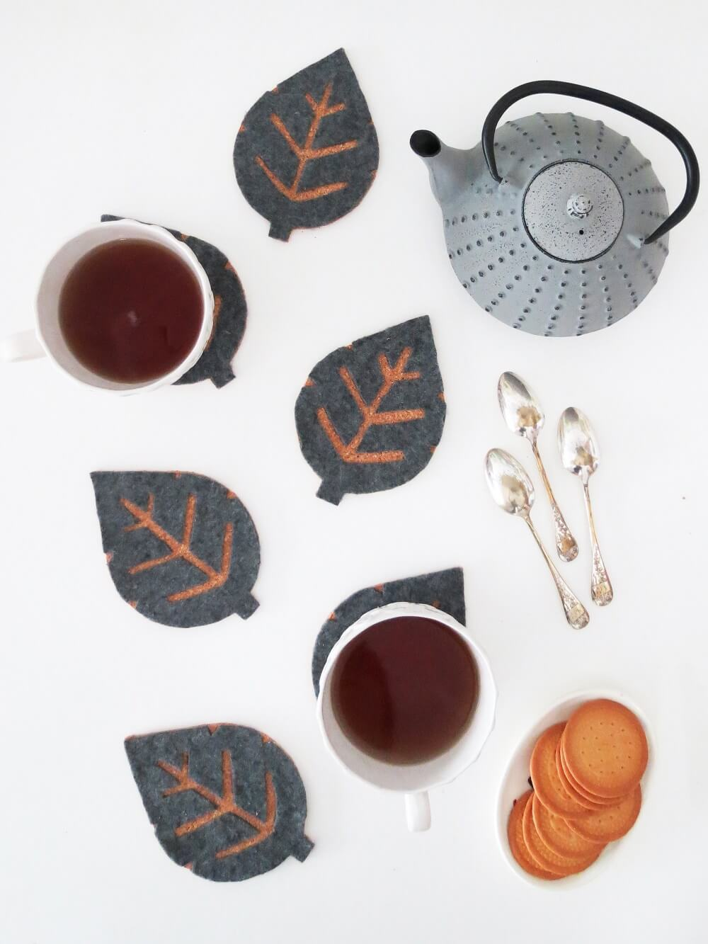 10 Min Diy Cork Coasters With Free Leaf Templates Grillo Designs