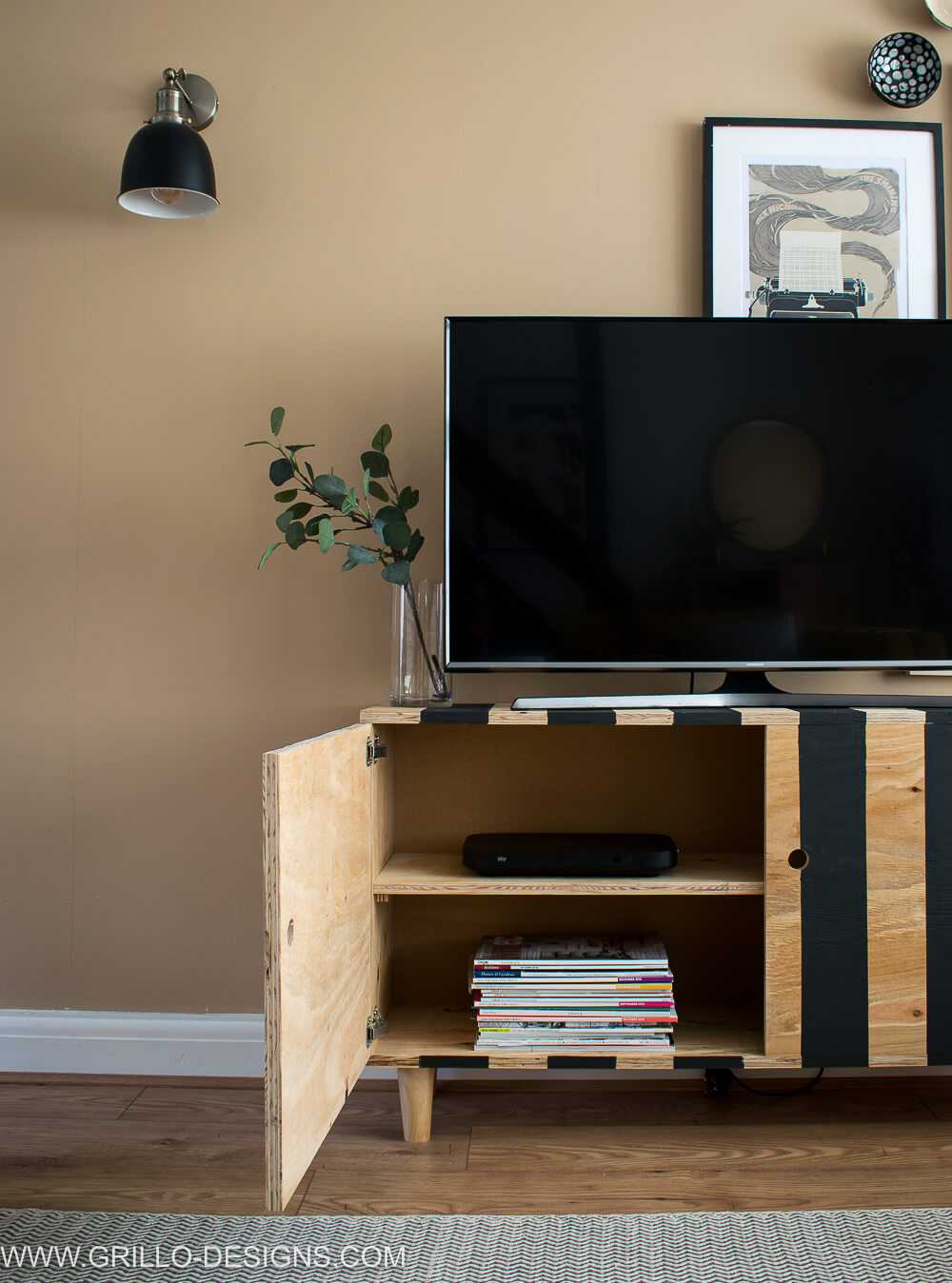 How to build a Diy tv stand with doors #diytvstand #tvstandideas #tvstandideasforlivingroom #grillodesigns