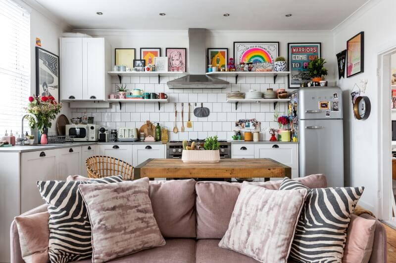 A colourful rental : view of the kitchen from the living room