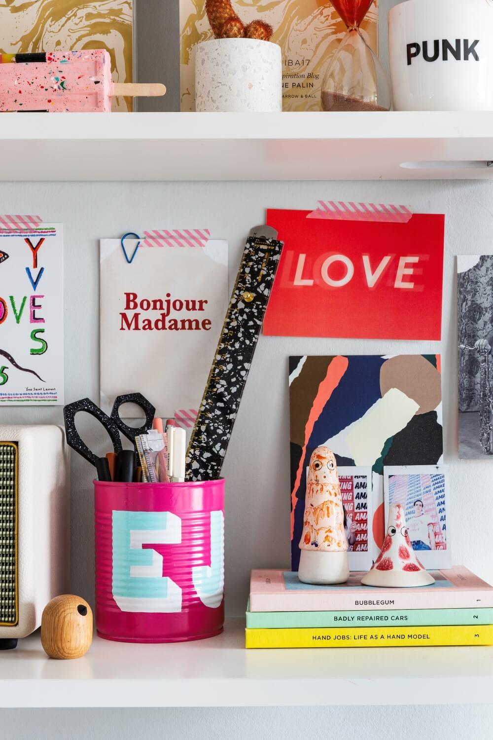 A colourful rental: Colorful desk accessories