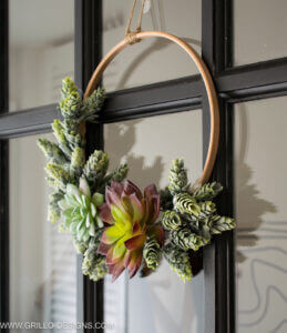 DIY Minimalist Succulent Wreath Tutorial