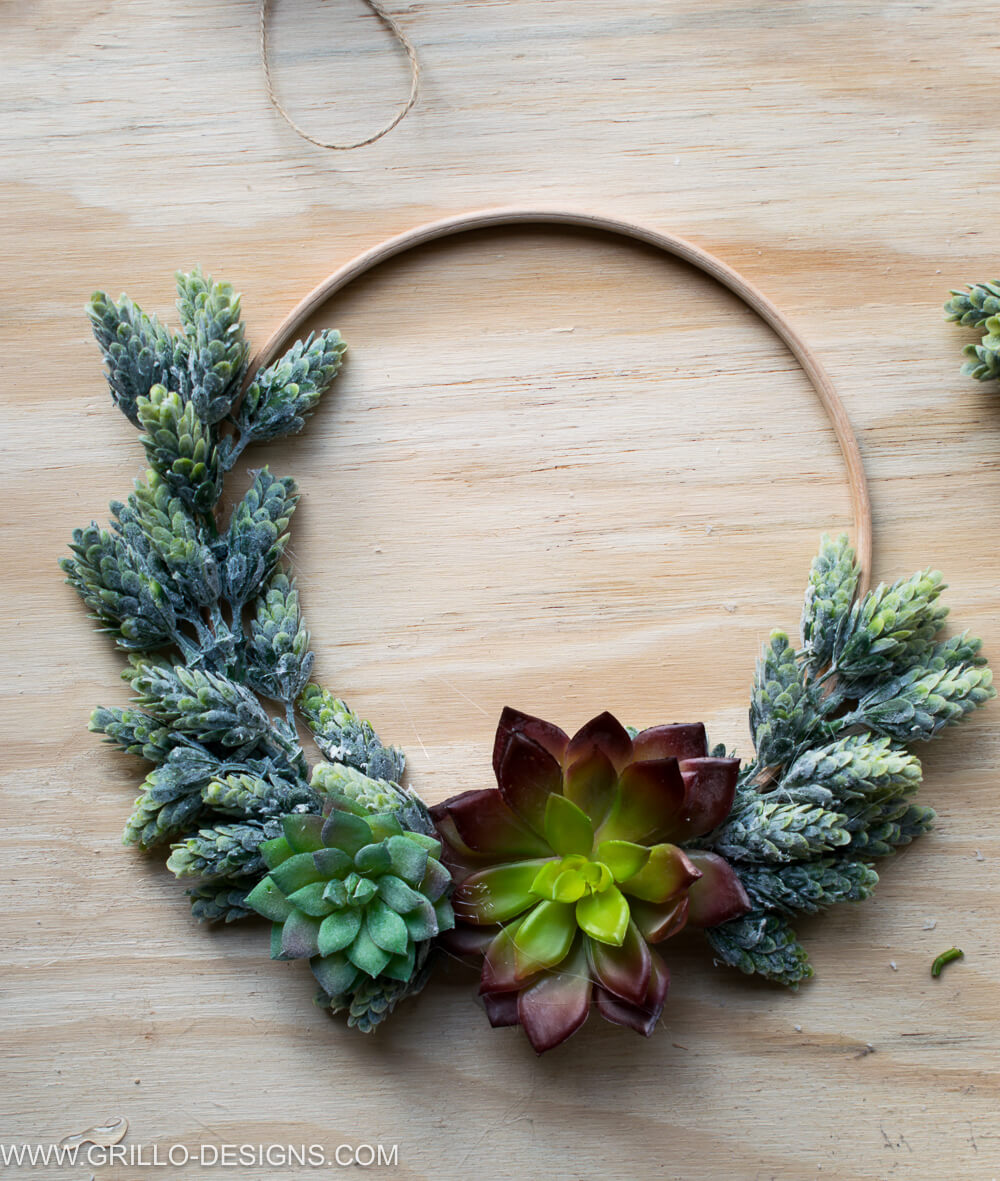 completed succulent wreath birds eye view