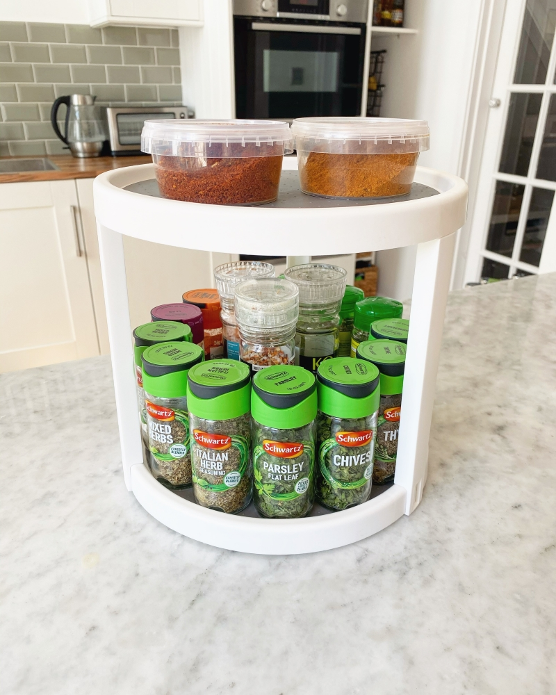 Round lazy susan shelf orgniaser for spices