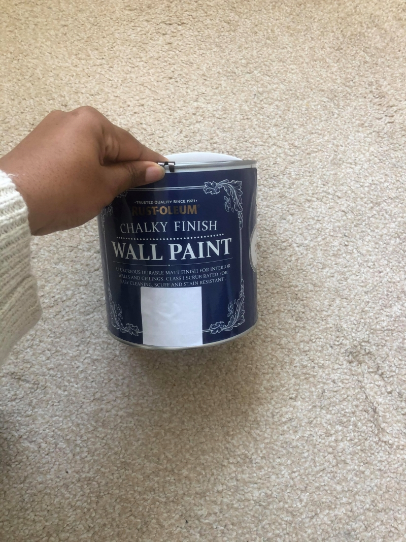 close up Rustoleum chalky finish wall paint