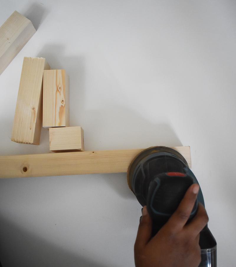Holz schleifen mit Schwingschleifer